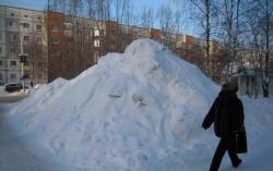 «Зима пришла ожидаемо». Коммунальщики Сургута готовы к уборке снега