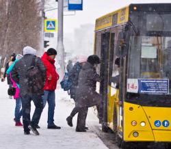 В мэрии Сургута рассказали, почему горожане долго ждут автобусы